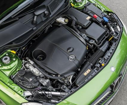 A 220d 4MATIC (Style), Elbaitgrün. Interieur Schwarz / GrünA 220d 4MATIC (Style), elbaite green, Interior black / green
