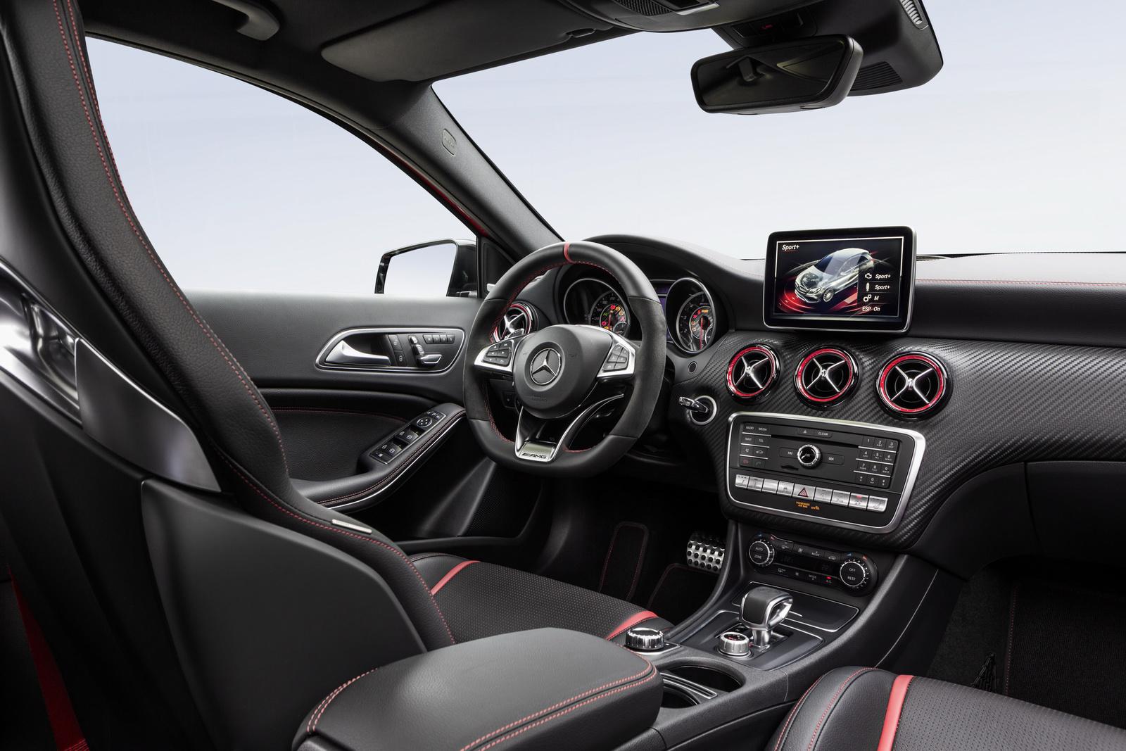 Mercedes-AMG A 45 4MATIC; Interieur Schwarz / RED CUTinterior black RED CUT