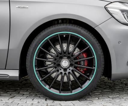 A 250 Motorsport Edition, Mountaingrau Magno, Interieur Leder/Mikrofaser DINAMICA schwarz A 250 Motorsport Edition, mountain grey, interior leather / DINAMICA black