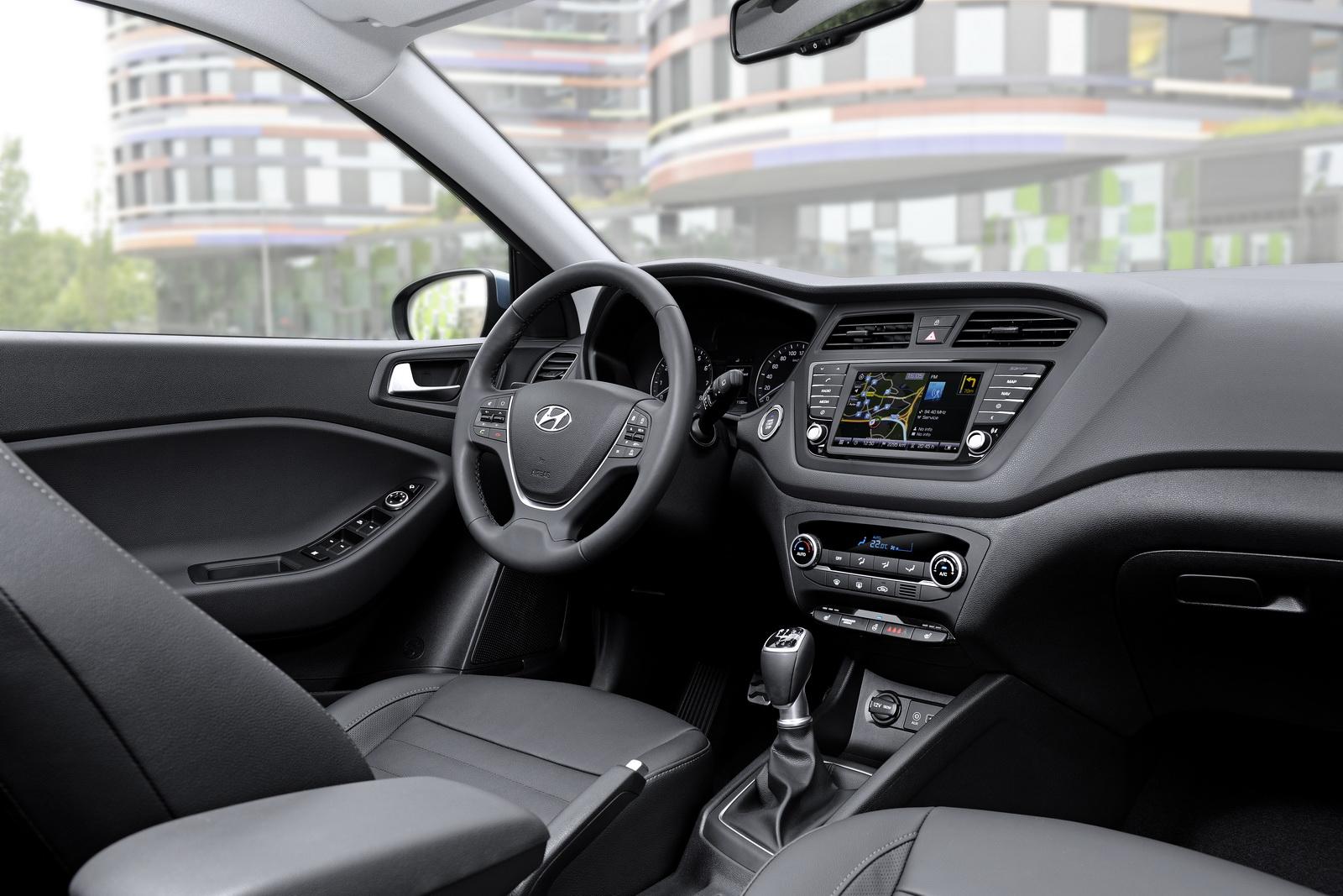 Nuova-Hyundai-i20-Active-2015-10