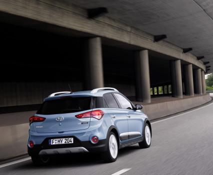 Nuova-Hyundai-i20-Active-2015-4
