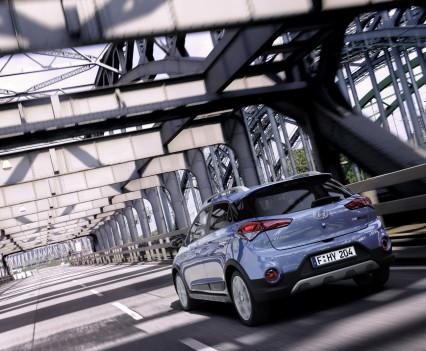 Nuova-Hyundai-i20-Active-2015-6