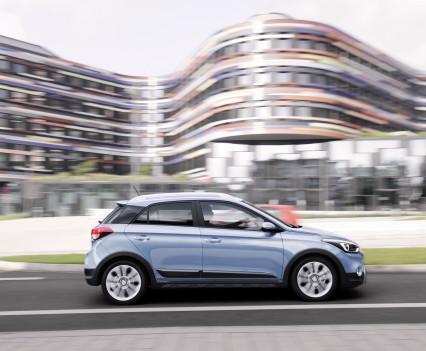 Nuova-Hyundai-i20-Active-2015-7
