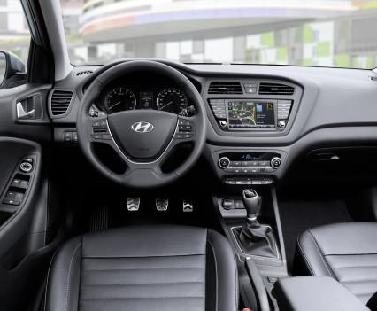 Nuova-Hyundai-i20-Active-2015-9
