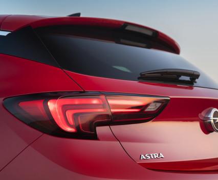 Nuova-Opel-Astra-2016-11