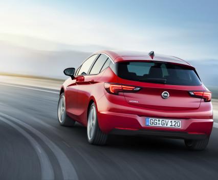 Nuova-Opel-Astra-2016-12
