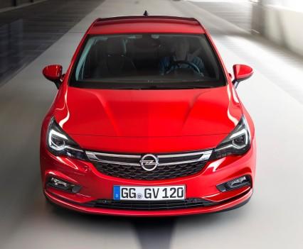 Nuova-Opel-Astra-2016-13