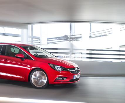 Nuova-Opel-Astra-2016-8