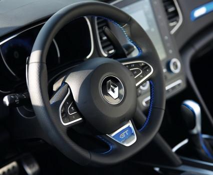 Nuova-Renault-Megane-2016-50