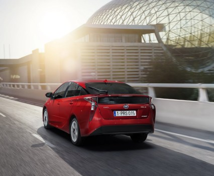 Nuova-Toyota-Prius-2016-10