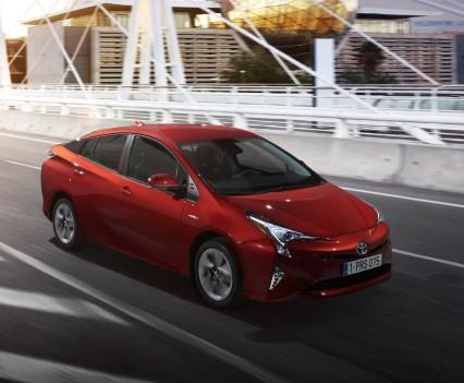 Nuova-Toyota-Prius-2016-15