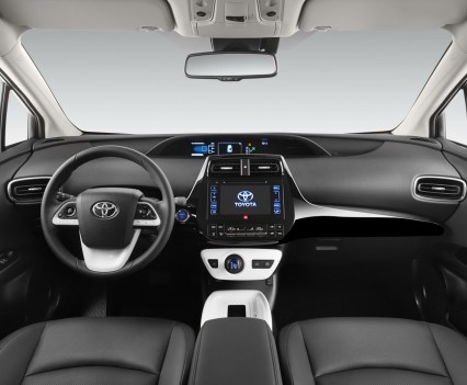Nuova-Toyota-Prius-2016-16