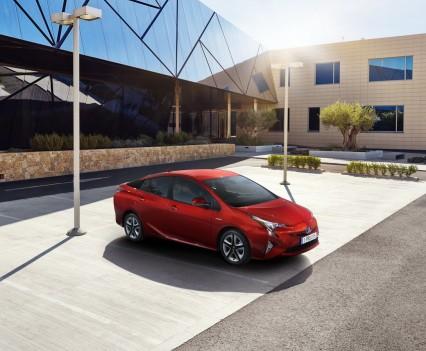 Nuova-Toyota-Prius-2016-2