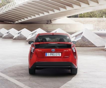 Nuova-Toyota-Prius-2016-23
