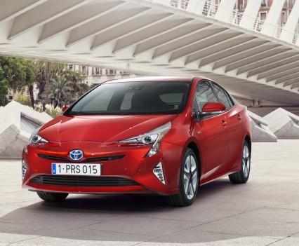 Nuova-Toyota-Prius-2016-26