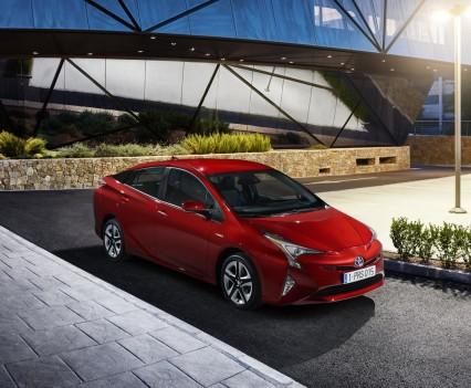 Nuova-Toyota-Prius-2016-27