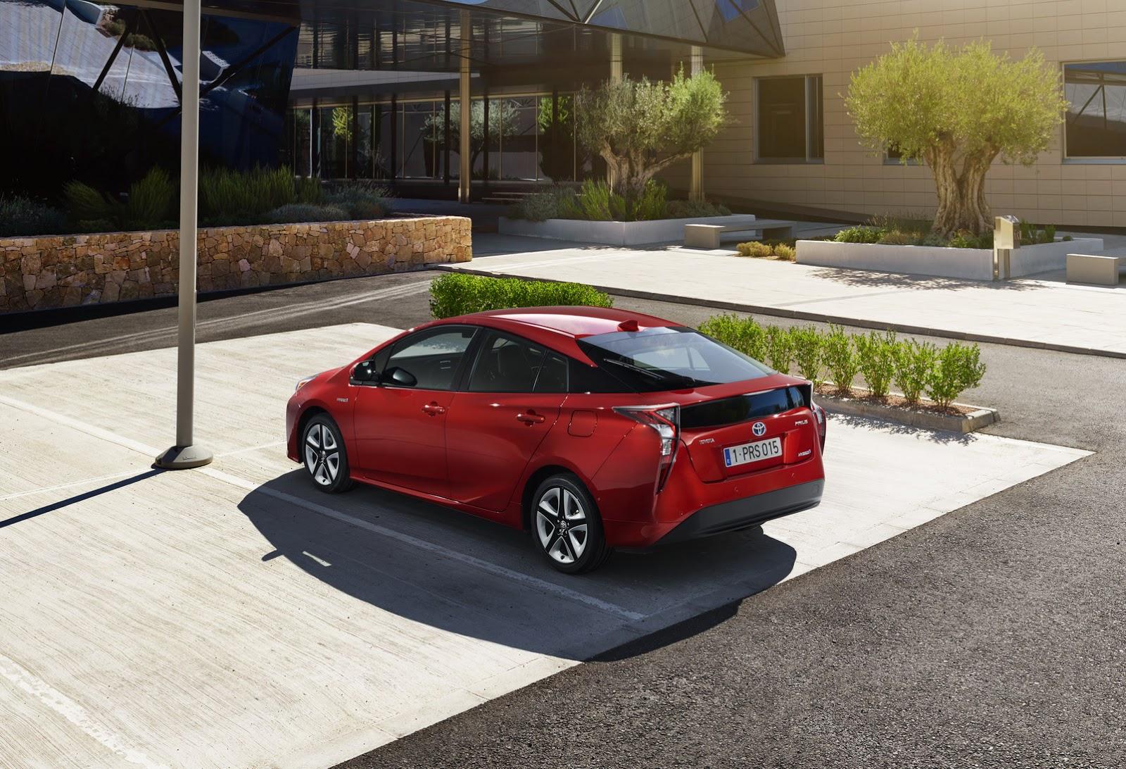 Nuova-Toyota-Prius-2016-3
