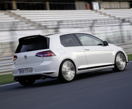 Volkswagen-golf-gti-performance-2016-15