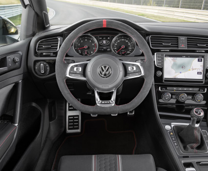 Volkswagen-golf-gti-performance-2016-2