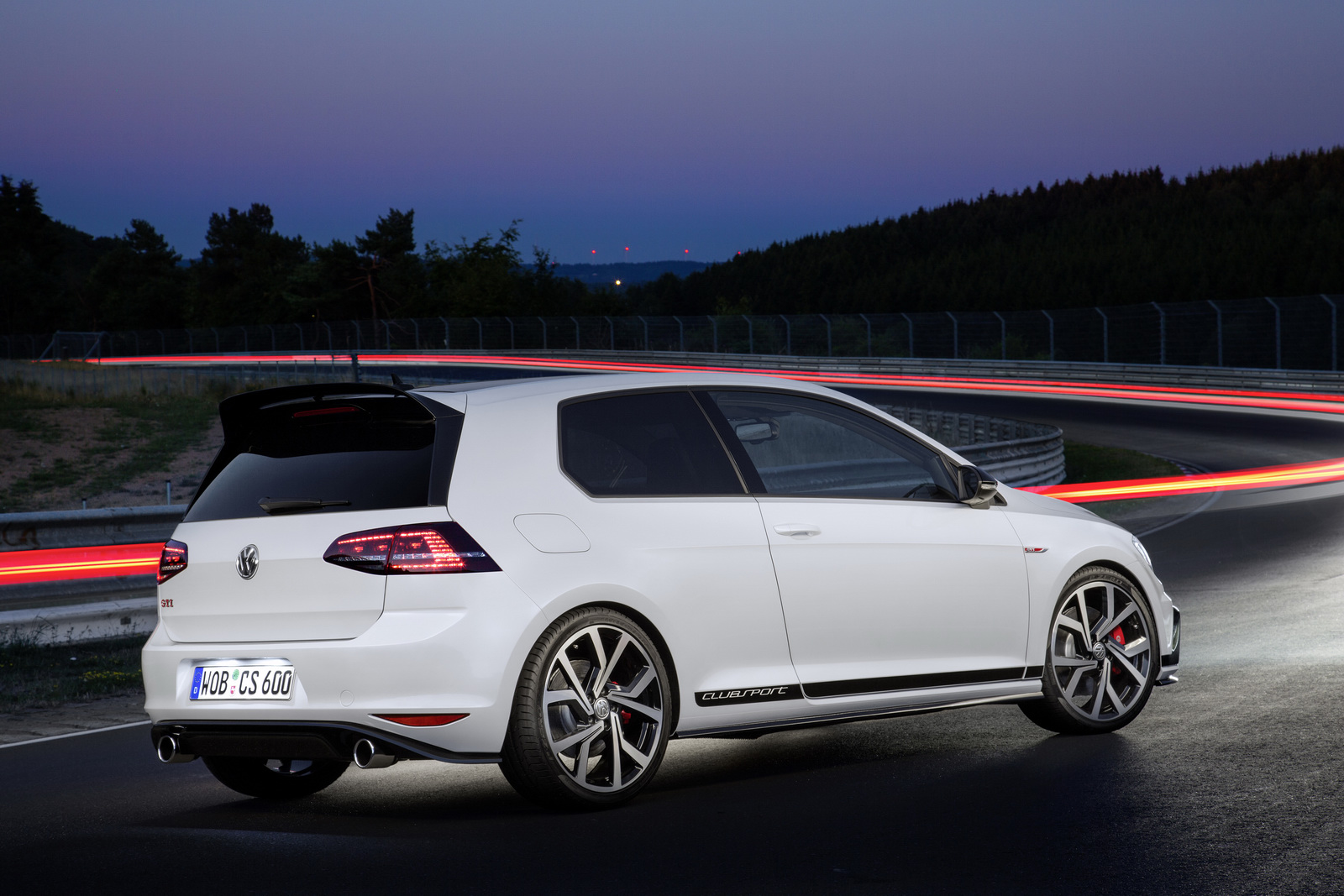 Volkswagen-golf-gti-performance-2016-3