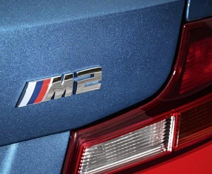 nuova-BMW-M2-2016-19
