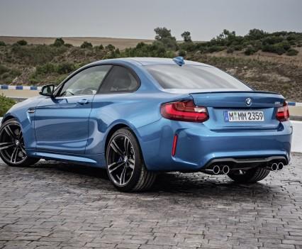 nuova-BMW-M2-2016-22