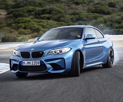 nuova-BMW-M2-2016-23