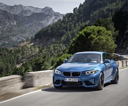 nuova-BMW-M2-2016-28