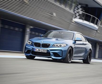 nuova-BMW-M2-2016-33