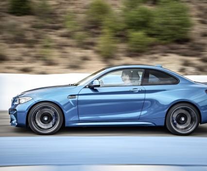 nuova-BMW-M2-2016-43