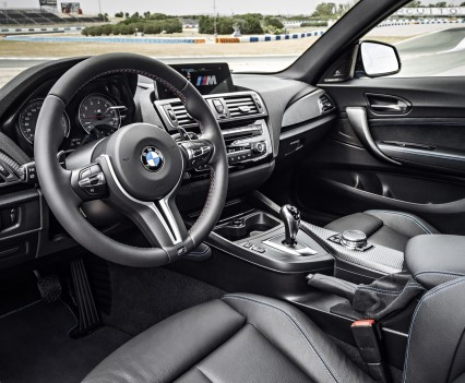nuova-BMW-M2-2016-53