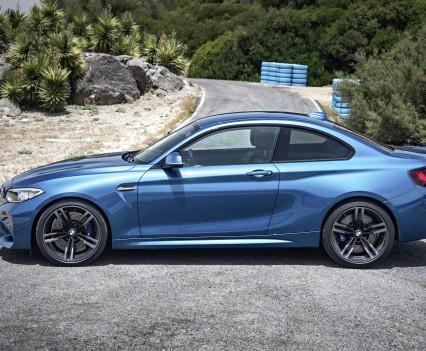 nuova-BMW-M2-2016-55