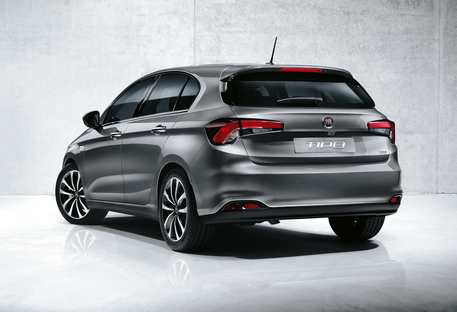 Nuova-Fiat-Tipo-berlina-hatchback-5-porte-2016-3