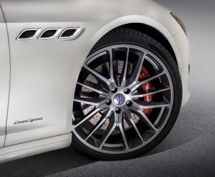 Nuova-Maserati-Quattroporte-2017-restyling-10